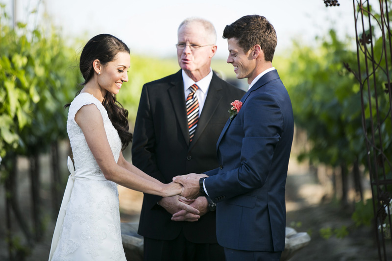 Scribner Bend Vineyards Wedding_09